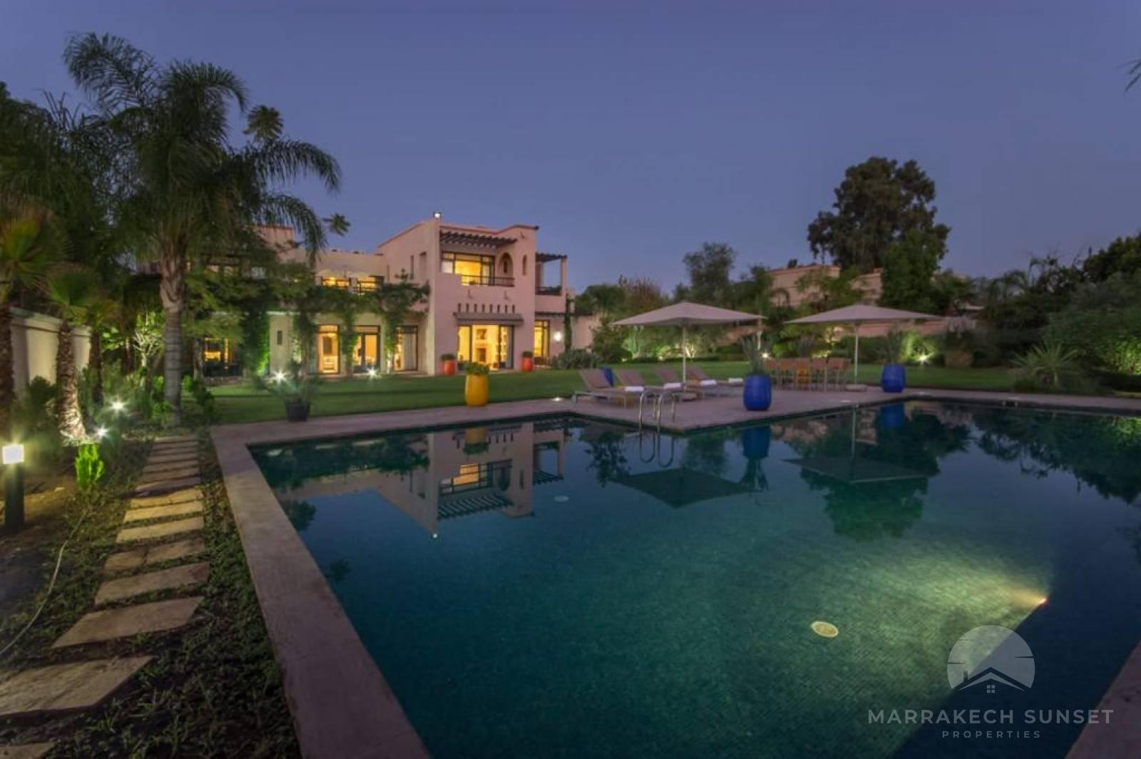 Luxury Villa for Sale in the exclusive residential complex of the Four Seasons Marrakech.