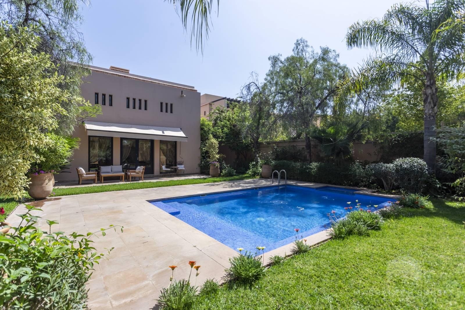 Modern 02 bedroom luxury villa for sale in Marrakech in a residential complex